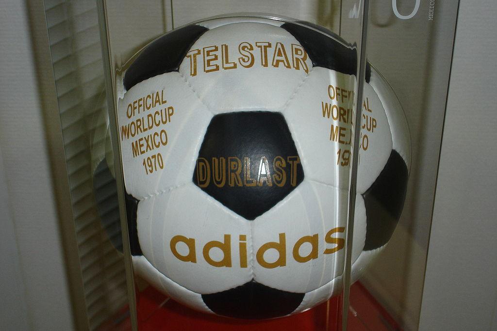 Adidas Telstar Mexico. Fotó: Zac allan/Wikipédia