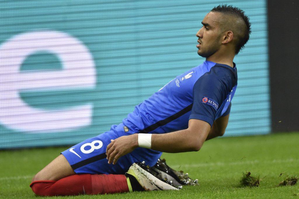 Saint-Denis, 2016. július 3. A harmadik francia gól szerzõje, Dimitri Payet a franciaországi labdarúgó Európa-bajnokság negyeddöntõjének Franciaország - Izland mérkõzésén a Saint-Denis-i Stade de France stadionban 2016. július 3-án. MTI Fotó: Illyés Tibor
